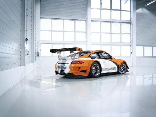 Porsche GT3R Hybrid trasera