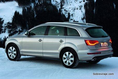 2011-Audi-Q7-SUV-2