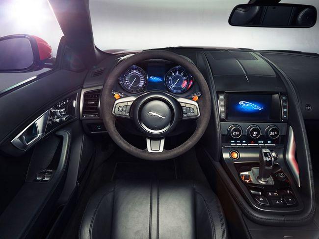 Jaguar F-Type (11)